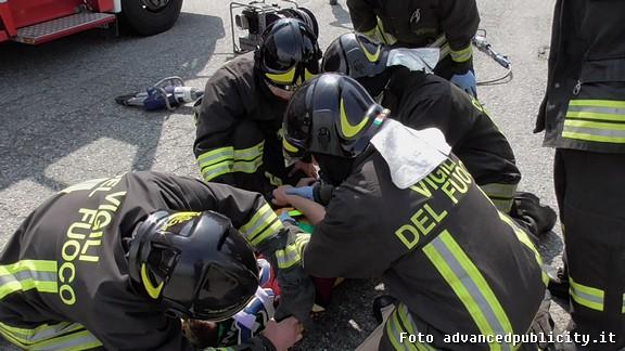 Incidente stradale a Torino: sorpasso azzardato, 1 morto e 3 feriti