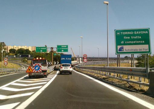 Per chi si mette in viaggio: R24 Complanare di Savona, stasera chiuso l'allacciamento con la A6 Torino-Savona