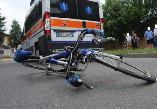 Grave il 63enne ciclista forse colpito da un malore. Accertamenti da parte dei Carabinieri