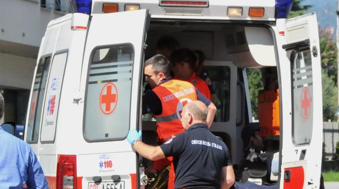 Auto finisce fuori strada nel Biellese: muore coppia di pensionati torinesi
