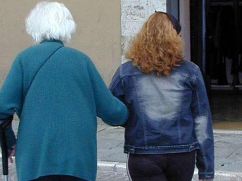 A processo per aver sottratto oltre 100 mila euro a un for Badante senza permesso di soggiorno 2017