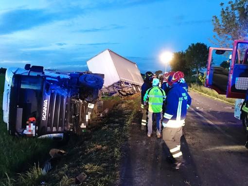 Dal Nord Ovest - Terribile scontro a Savigliano: Due giovani morti sul colpo, grave la ragazza
