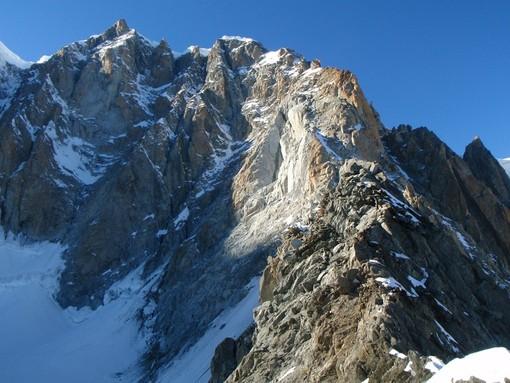 Tragedia sul Monte Bianco: tre alpinisti morti