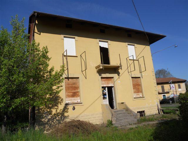 Abitalia agenzia immobiliare propone in vendita e in for Piani di casa con suite indipendente