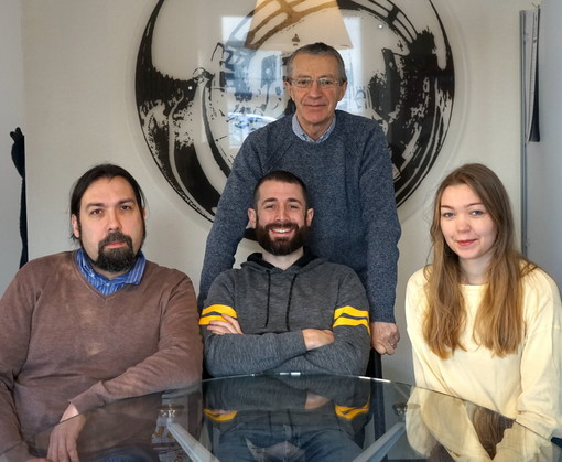 Da sinistra a destra: Franco Aquini, Samuel Mander ed Ellamari Auroila insieme a Paolo Mander