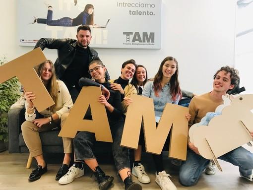 Gli studenti del TAM al Maker Faire di Roma con i rivestimenti per una nuova auto elettrica