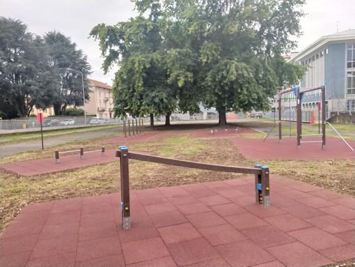 L'area sportiva attrezzata nel cortile della scuola che sarà intitolata al professore Fraire