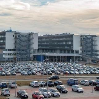 Parcheggio a pagamento all'ospedale, l'appello di Cgil per tutelare i lavoratori