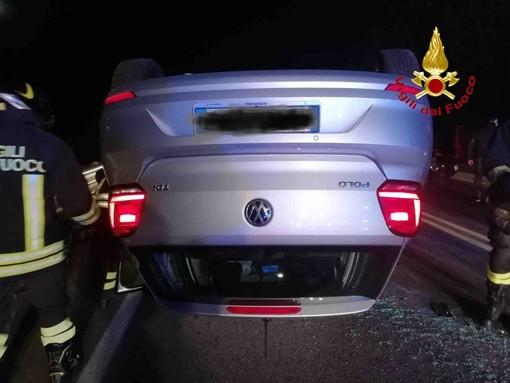 Dal Nord Ovest - Incidente stradale a Oleggio Castello, estratta una giovane dall'auto