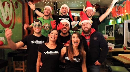 """La """"Magia del Natale"""" prende vita da Walhalla… E il video diventa virale VIDEO"""