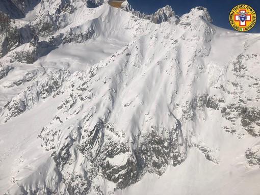 Dal Nord Ovest - Valanga a Punta Helbronner, morti due sciatori VIDEO