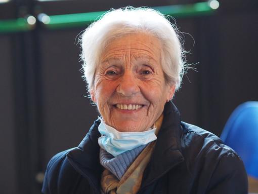 Nella foto di Filippo Sarcì in copertina Danila Castello 85 anni poi Federico Chiorboli 82 anni e a seguire altri.