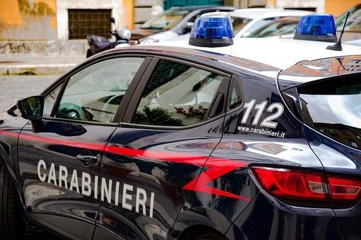 Quaregna: Danneggia un'auto in sosta e si dilegua. Rintracciato dai Carabinieri e sanzionato