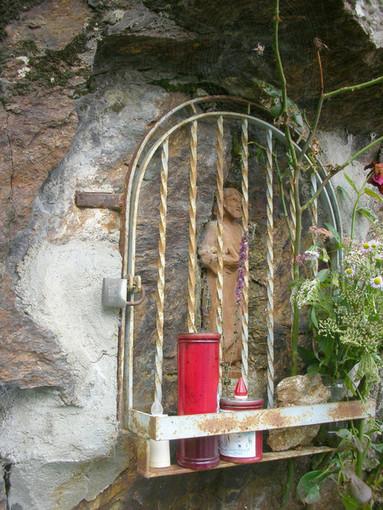 """Il Biellese magico e misterioso: Le fate coi piedi d'oca della Janka biellese e le """"Janas"""" della Sardegna"""