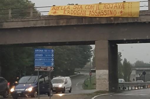 Biella: striscione contro Erdogan a firma della Biellantifascista