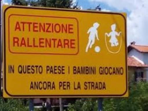 """Sindaco Ceffa: """"A Bioglio i bambini giocano ancora per strada. Fate attenzione ma lasciate in ordine"""""""