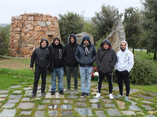 """Biella sotto la pioggia, componenti di Brinca a """"Nuraghe Chervu"""""""