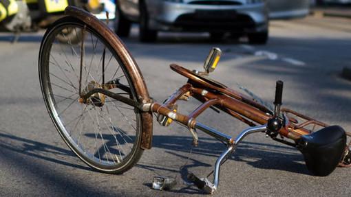 urto bici auto