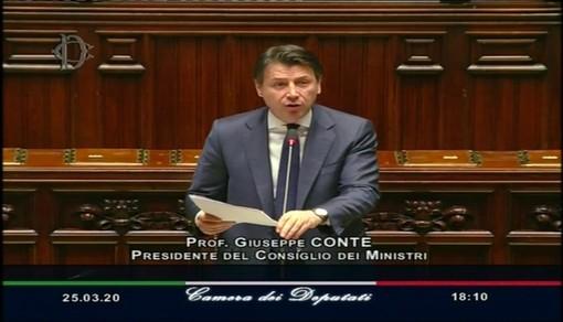 """Coronavirus, Conte in Parlamento: """"Lavoriamo per garantire ulteriore accesso alla liquidità, stanziamenti per altri 25 miliardi"""""""