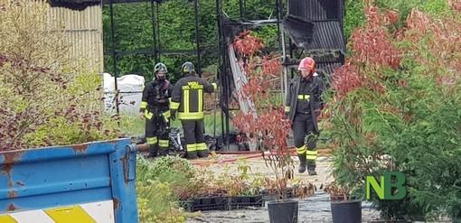 Cerrione: a fuoco Cascina Loccone, titolare soccorso dal 118 per aver inalato fumo FOTO