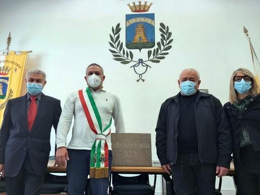 Il sindaco Giovanni Gargano, l'Assessore alla Memoria Rita Barbieri, il Presidente