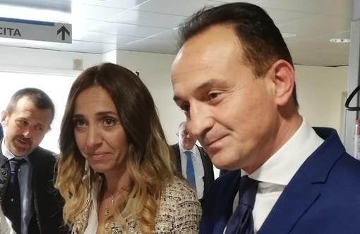 Alberto Cirio in visita all'ospedale di Ponderano, Elena Chiorino incalza sul laboratorio analisi