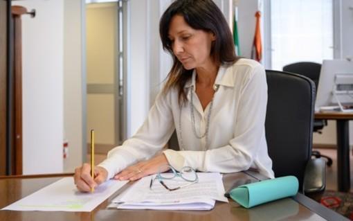 L'assessore Chiara Caucino e il presidente Alberto Cirio in una recente conferenza stampa