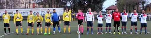 Entrata in campo di Su Nuraghe Calcio Biella e C.A.B.S. Club Atlètico Boca Seniors