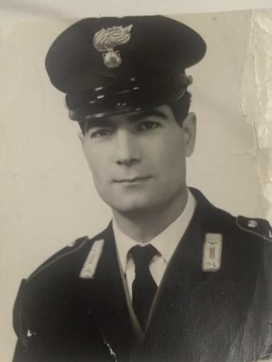 Una foto di Dario Ferrarese negli anni 60 in servizio nell'Arma