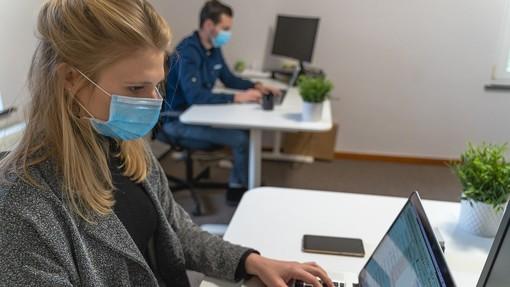 Un anno di pandemia, difficoltà e aspettative tra le imprese terziarie