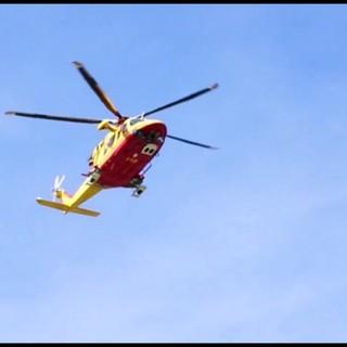 L'uomo è stato trasportato in ospedale dall'elisoccorso - Foto di repertorio