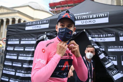 Giro d'Italia: A Novara vince Tim Merlier, Ganna rimane in Rosa