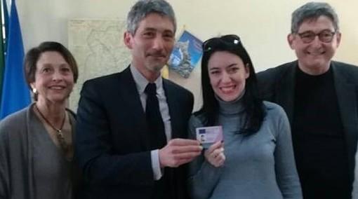"""Consegnata la """"Patente di smartphone"""" al Ministro dell'Istruzione Lucia Azzolina"""