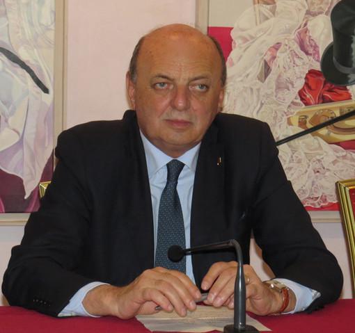 """Dl Rilancio, Pichetto (FI): """"Grave governo su no fondo perduto per professionisti ordini. Presenterò emendamento per correggere"""""""