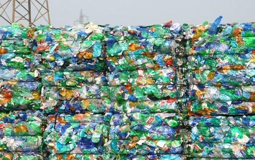 """""""Condizioni di lavoro difficili per i lavoratori"""", la denuncia dei sindacati allo stabilimento di lavorazione della plastica a Cavaglià"""