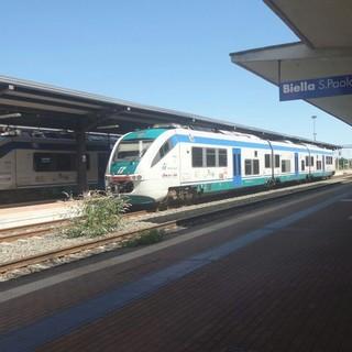 Treni, ripristino delle corse ancora sospese: I pendolari biellesi scrivono alla Regione