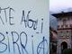 """""""Morte agli sbirri"""" e simili scritte sui muri di Rosazza. Indagini dei carabinieri FOTO"""