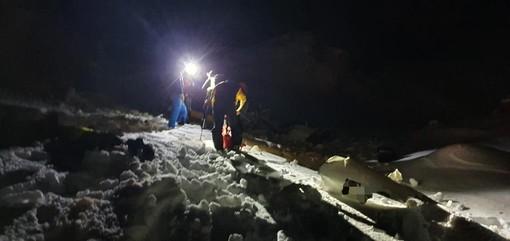 Dal Nord Ovest - Cade elicottero sul Breithorn: Soccorso alpino recupera corpo e ferito grave