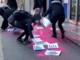 Blitz femminista all'ordine dei giornalisti: vernice e manifesti contro la narrazione violenta dei media VIDEO