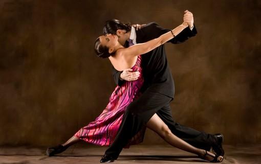 A Vigliano si balla il tango argentino