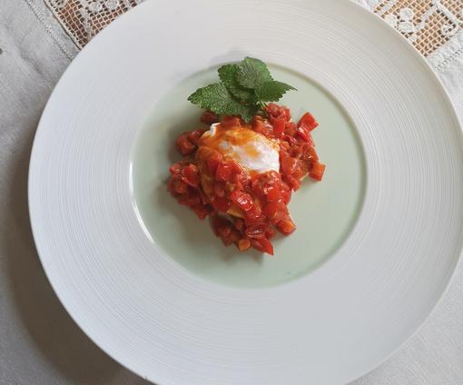 """A tavola con gusto grazie alle """"vecchie ricette"""" della nonna. Oggi Zucchine agrodolci e Uova farcite"""