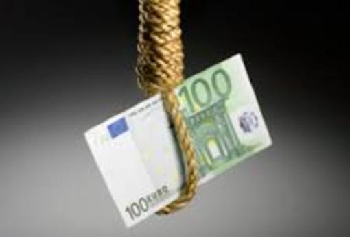 Vittima dell'usura finisce sotto processo per avere evaso le tasse