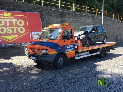 Tamponamento tra tre auto in via Cernaia. Una donna finisce in ospedale
