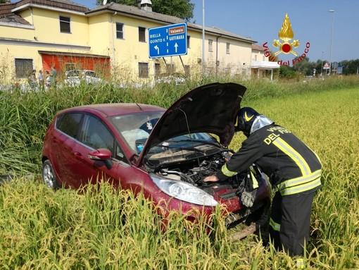 Da Nord Ovest - Incidente a Quinto Vercellese, auto fuori strada e conducente ferito