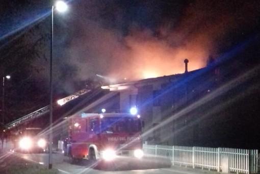 Incendio in una casa a Borgofranco d'Ivrea. I Vigili del Fuoco di Biella in aiuto