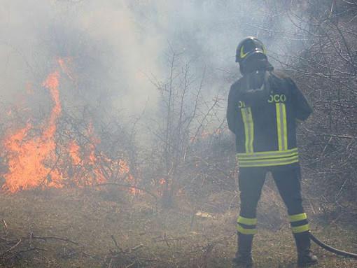 Donato, brucia sterpaglie nonostante il divieto: Scatta la multa