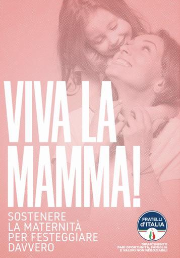 Festa della mamma, in via Italia in gazebo di Fratelli d'Italia