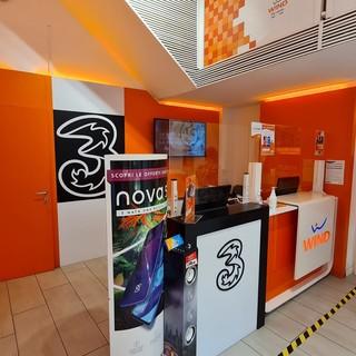 Biella, lo store WINDTRE con il top della fibra connessione da 200 mb