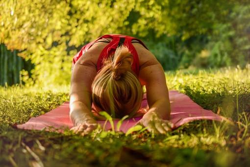 Corso di Yoga, Shiatsu e raccolta delle erbette al Casolare dei Campra a Graglia